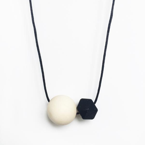 Minimal Silicone Necklace - Black - Necklaces - Anders & Dawn - Naiise