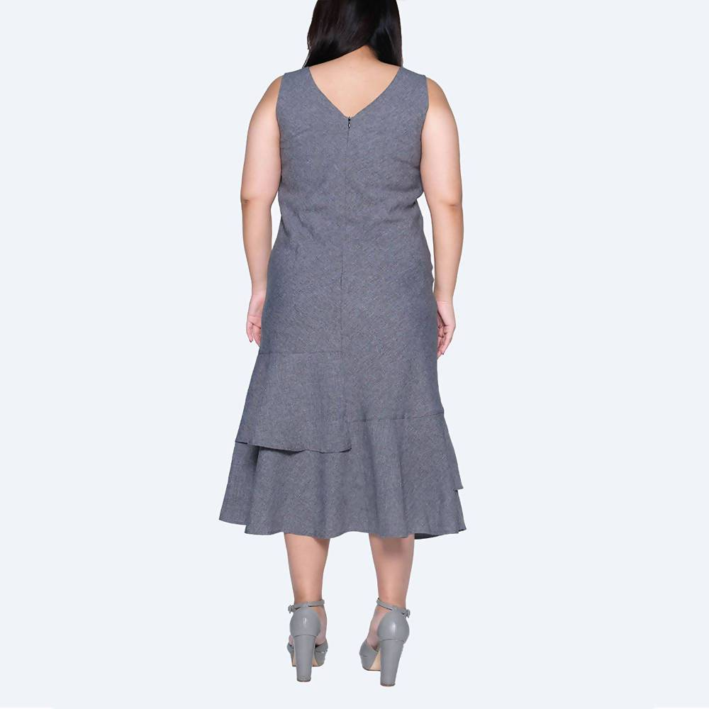 Pipa Panelled Midi Dress in Grey/Black Plus Size - Dresses - Salient Label - Naiise