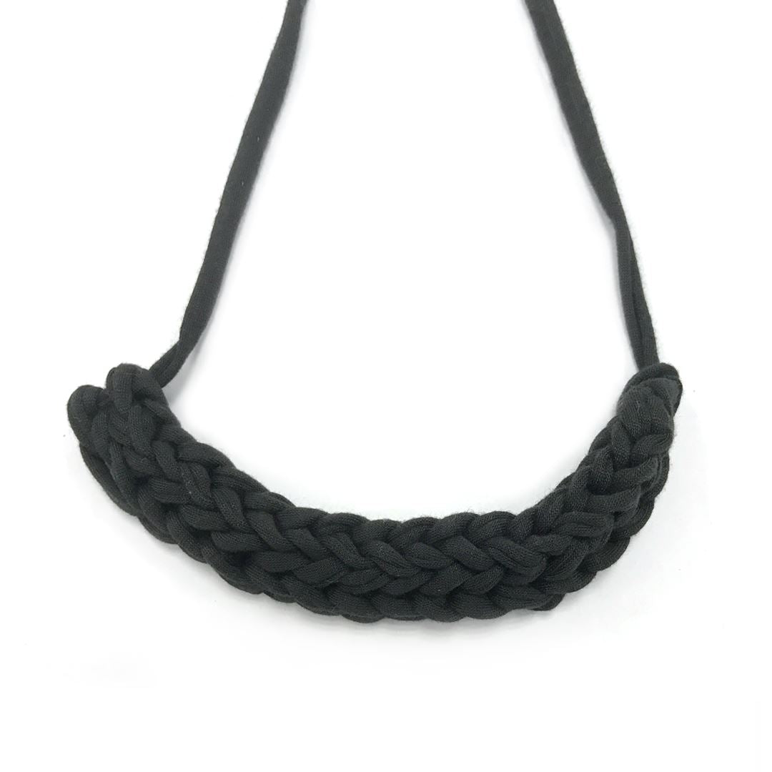 T-shirt Yarn Necklace Necklaces Indie Mama Black