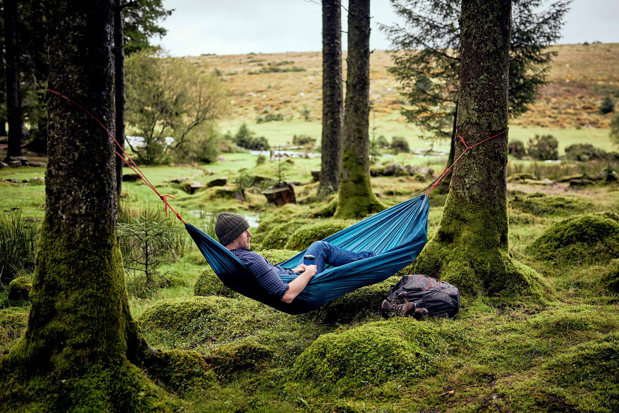 The Gentlemen's Hardware - Travel Hammock - Travel Accessories - The Planet Collection - Naiise