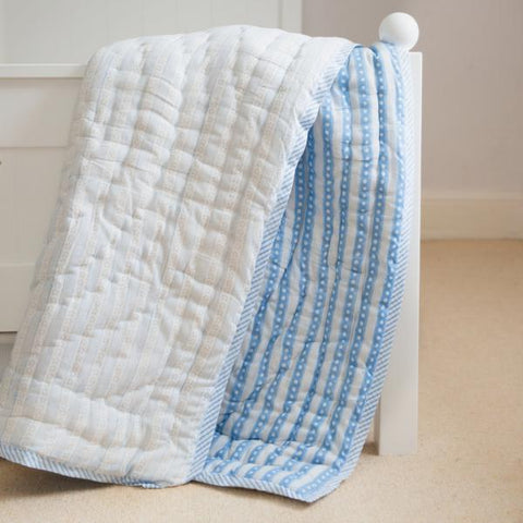 blue star cot quilt