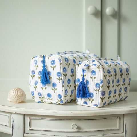 Blue Daisy Wash Bag