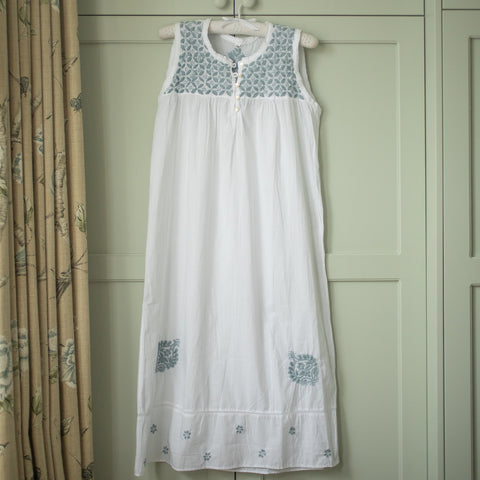 Sleeveless Nightie - blue grey embroidery