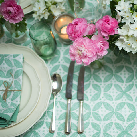 Green berry tablecloth