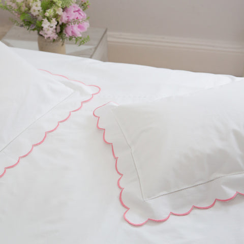 Scalloped Edge Pink Top Sheet Set
