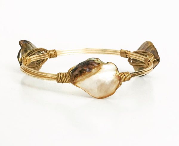 the BOBBY Bangle with Natural Shell