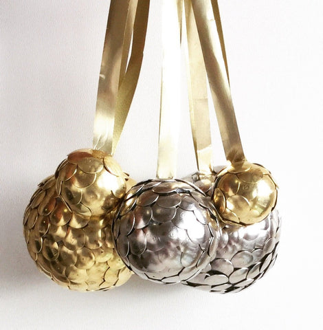 the SNITCH Spheres || medium ornaments