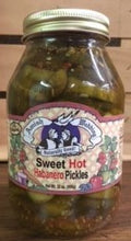 Load image into Gallery viewer, Amish Wedding Pickles (32) Oz