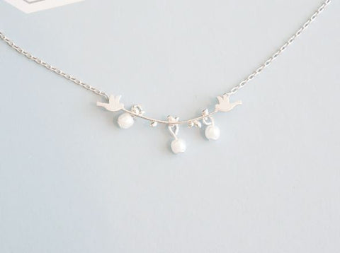 Bird and Branch Pearls dnagle Necklace Gold / Silver