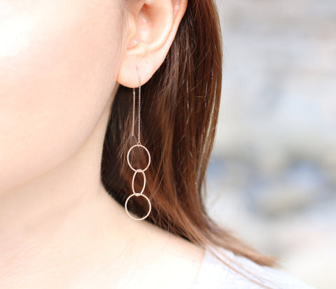 925 sterling silver Three Circles Ear Threader , Interlocking rings Chain Earrings, Geometric Circles long earrings,