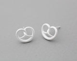 Pretzel Knot bread stud Earrings in gold silver, E1033G