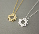 Round Lace filigree Pendant Necklace in 2 colors, N0661G