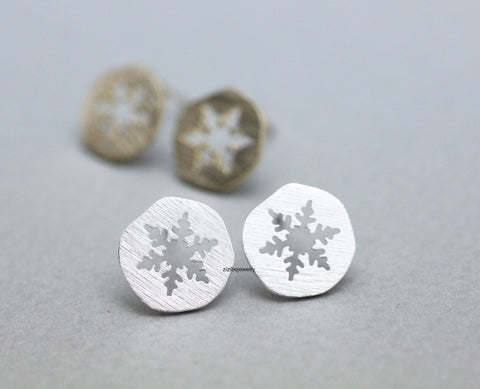 Lovely Cutout Snowflake medal stud Earrings in 2 colors, E0822G