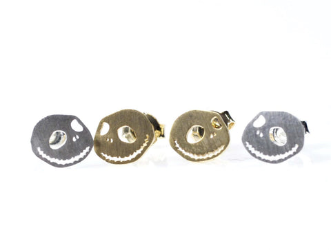 Cute Smile Skull face stud earrings in gold / silver