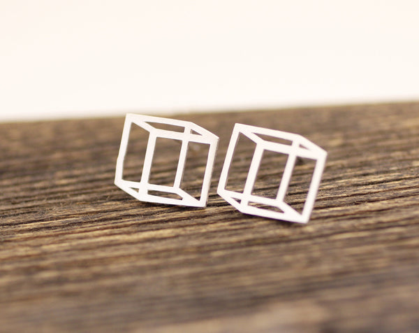 c2a9ce033 3D Cube Square stud earrings in gold / silver, E0075G