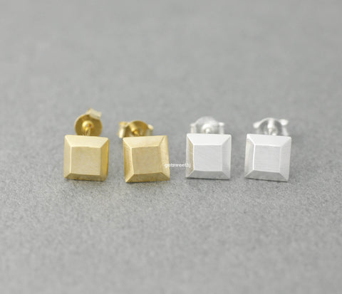 3D Cube Square stud earrings in gold / silver,(925 sterling silver/plated over Brass) E0394G