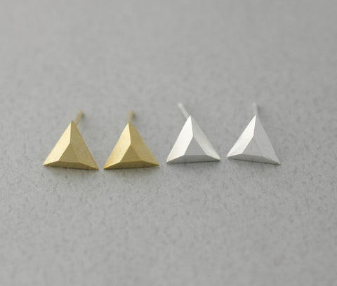 3D Triangle charm stud Earrings in gold / silver, E0406G