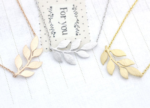 Siadeways Bay Leaf pendant necklace in Gold / Silver / Rose Gold