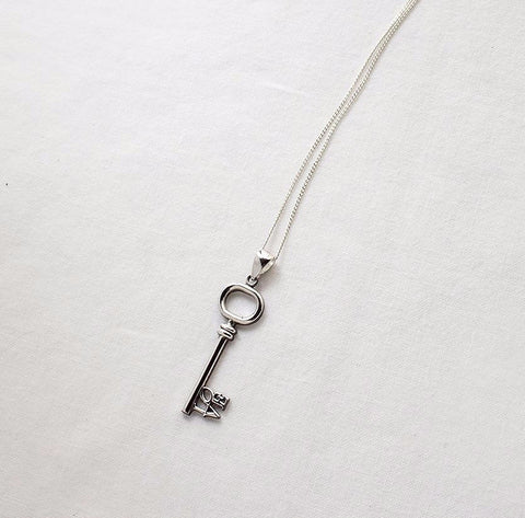 925 sterling silver Key to your Love heart Necklace 2  - Celebrity Style