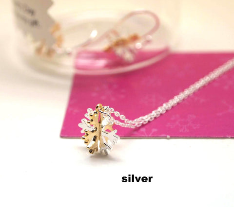 Snowflake dangle Necklace (Gold / Silver)