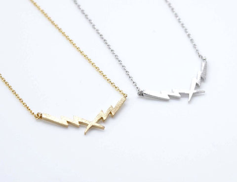 Thunder Lightning Bolt Pendant Necklace In Silver / Gold