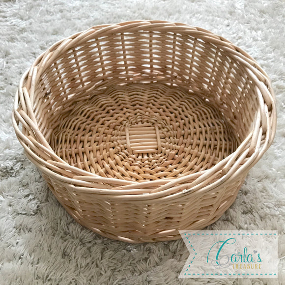 Natural willow basket / tray 25cm D