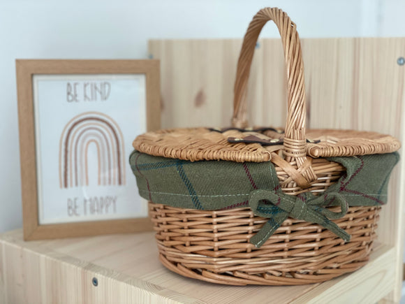 Oval Picnic Basket - Green
