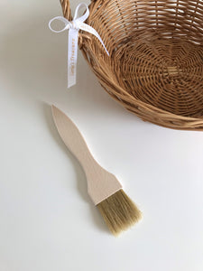 Wooden painting brush