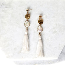 Load image into Gallery viewer, Azulik Long Tassel Pearl Earrings