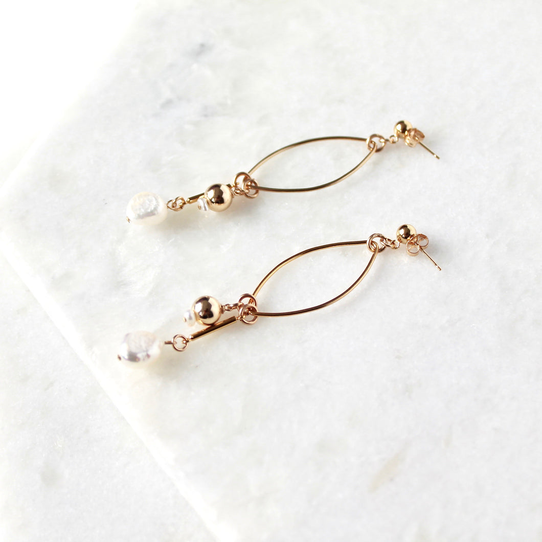 Maya Pearl Earrings
