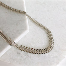 Load image into Gallery viewer, Singapore Fishtail Necklace