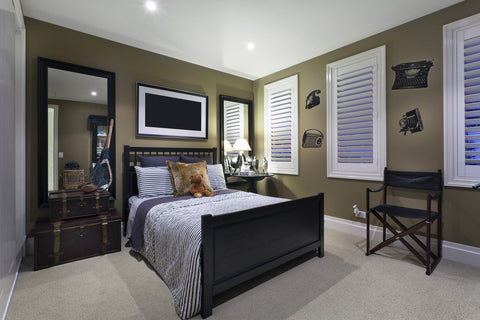 Large black-wood bed