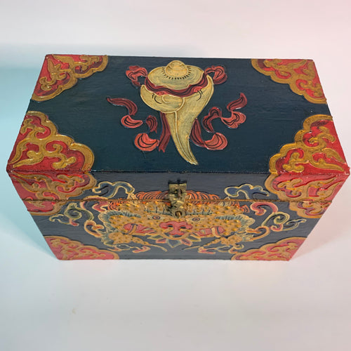 Tibetan Treasure Box Conch Green