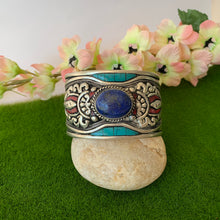 Load image into Gallery viewer, Lapis Lasuli Vajra Cuff