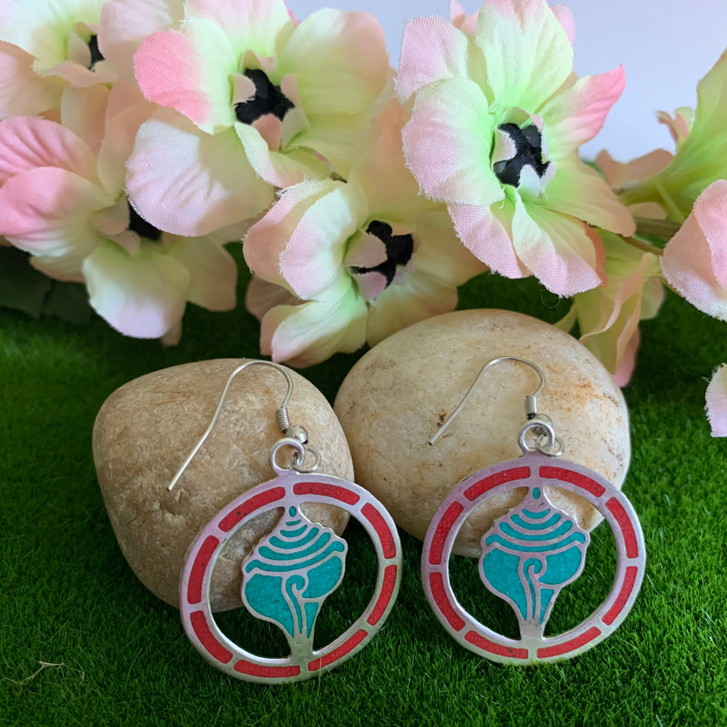 Conch Shell Cut Out Earrings