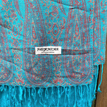 Load image into Gallery viewer, shawl pashmina blue label close up