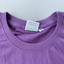 Load image into Gallery viewer, Children's Tshirt tashi delek purple size tag