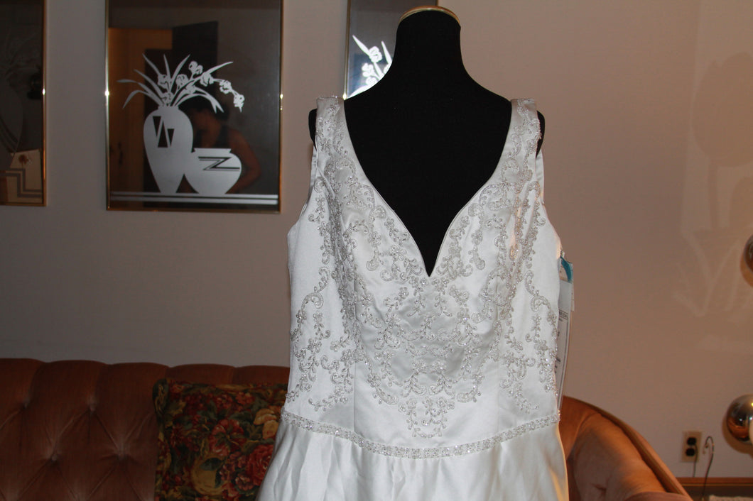 Emerald Bridal Gown Size 20
