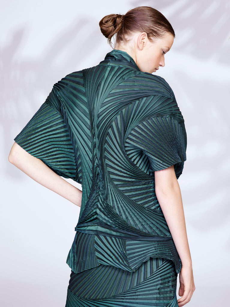 Issey Miyake London Spring Pleats trend for ladies dresses