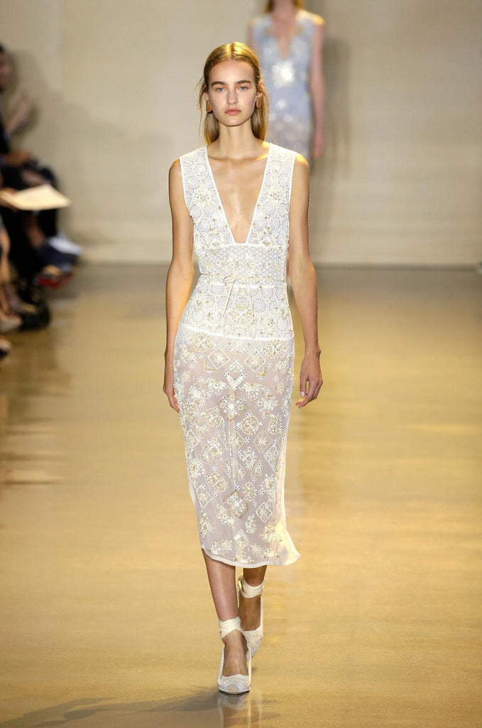 Ladies lace dresses in London spring 2016 fashion shows