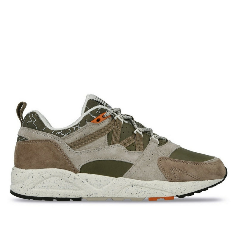 Karhu: Fusion 2.0 (olive night/taupe) Mountain Saana2 Pack