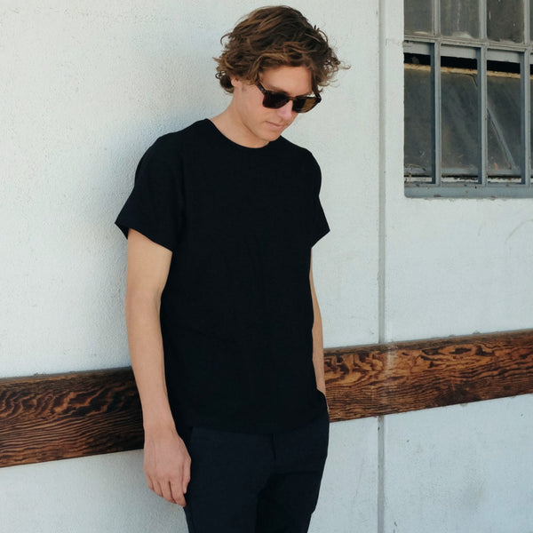 Canvas . Malibu: Short Sleeve Tee (black)