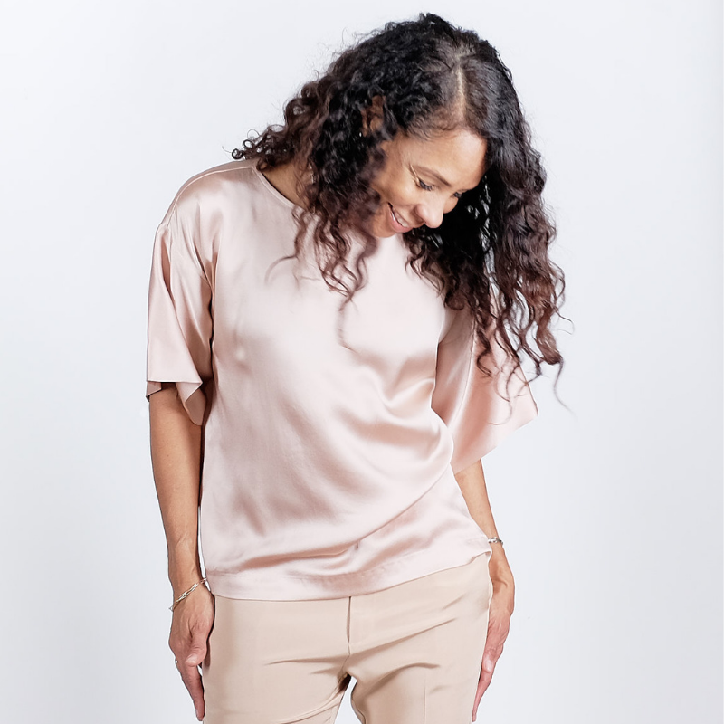 Canvas . Malibu (woman): City Tee Silk (champagne)