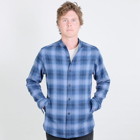 Canvas . Malibu: Shirt 'Shirt' Jacket (light blue plaid flannel)