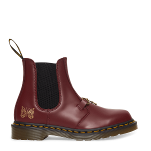 Dr. Martens: Needles 2976 Snaffle Chelsea Boots (cherry)