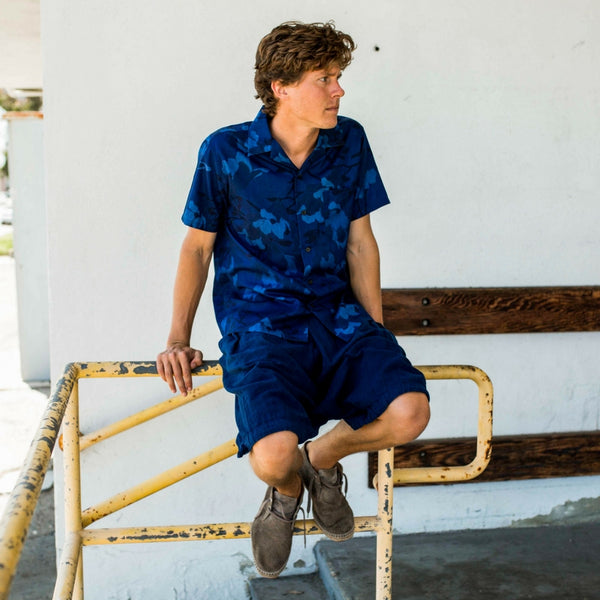 Blue Blue Japan (man): Magnolia Printed Short Sleeve Shirt (indigo)