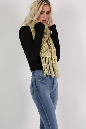 Chunky Knit Scarf in Cream 1