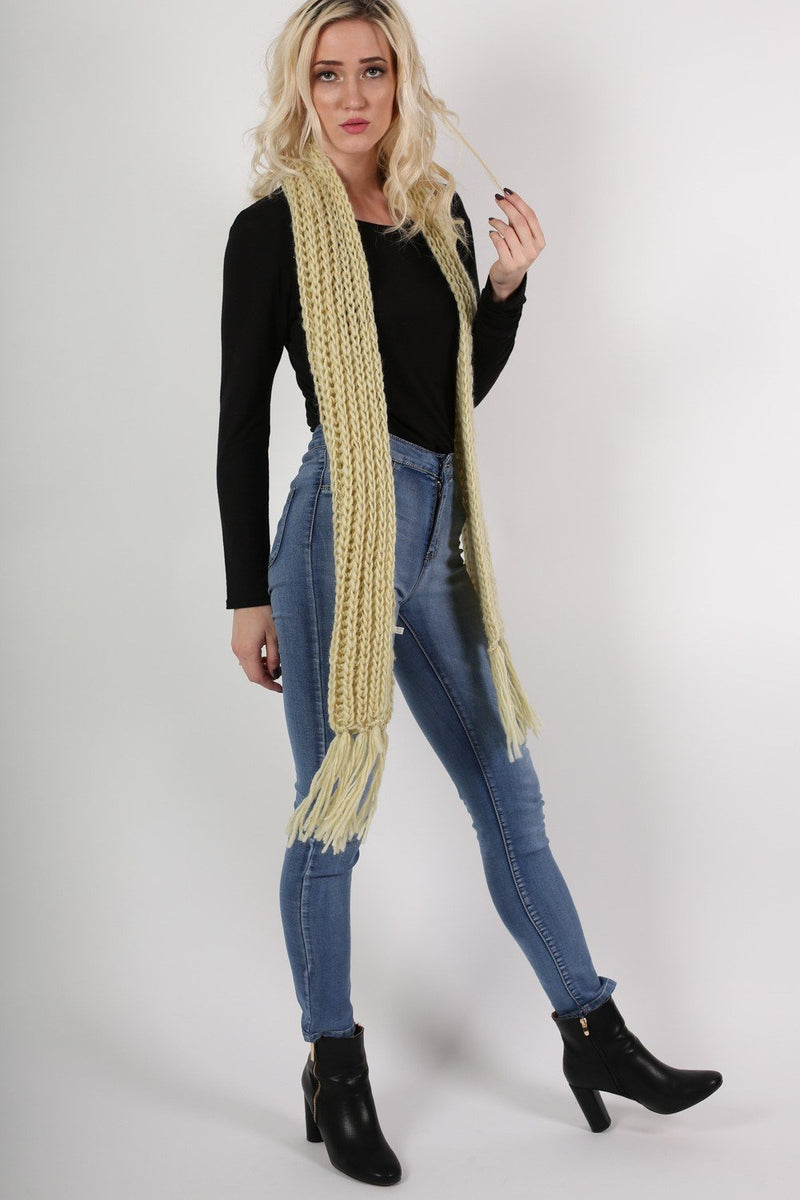 Chunky Knit Scarf in Cream 3