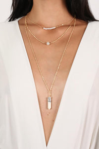Layered Pendant Necklace in White 1