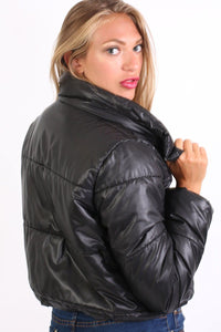 Cropped Puffer Jacket in Black 2